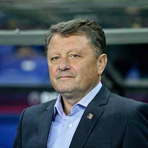 https://www.travesiacostatorremolinos.com/wp-content/uploads/2017/10/team_coach_03.jpg